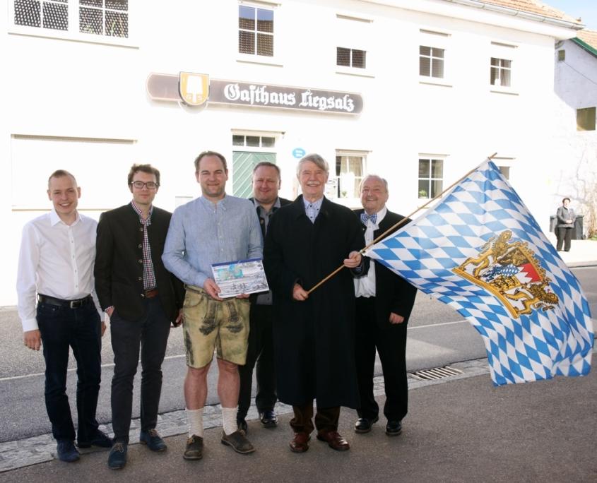 V.l.: Kreisrat Sebastian Leiß, Markus Erhorn, Ewald Zechner, die drei Stadträte Robert Gasteiger, Edgar Forster und Horst Ullman